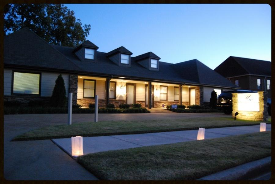 Memphis-Invest-Main-Office-Night-800